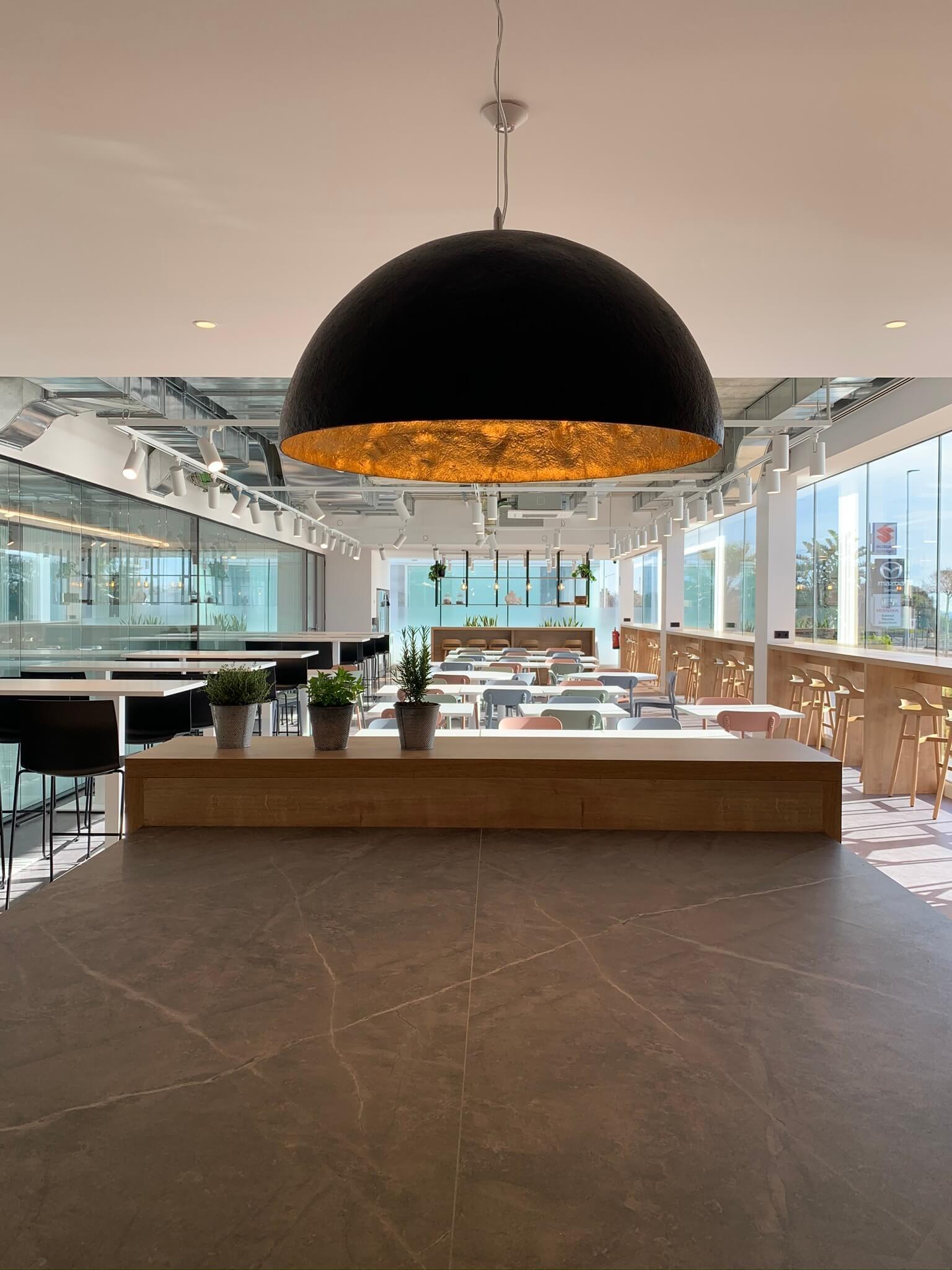 La pintura TITANPRO P-80N contribuye a una mejor calidad del aire y confort interior en espacios de coworking
